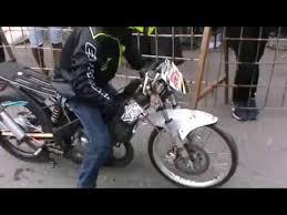 cara start gila eko chodox duel 2tak drag bike 201 meter video