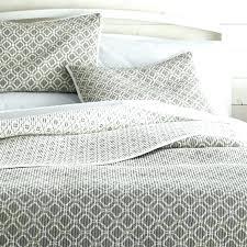 gray quilt set queen grey bedspread queen bed bath beyond quilt sets coverlets twin bed grey