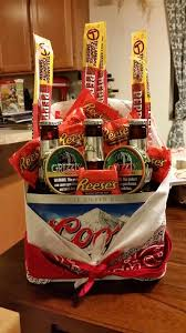 redneck man bouquet for valentine s day i need to remember later redneck gifts valentine gift baskets gift baskets for men