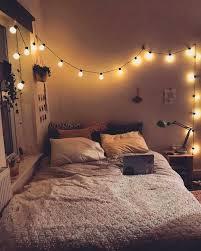 minimalist bedroom decoration