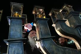 grossman lighting. menorah lighting at the kosel with rav yitzchok duvid grossman