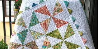 Pinwheel Quilt with Prairie Points is Oh So Charming - Quilting Digest & Pinwheel Quilt Tutorial Adamdwight.com
