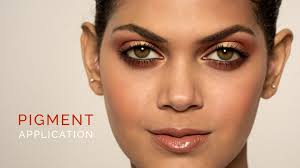 pigments offer a plethora of uses in makeup application making them extremely easy to work into a variety of looks learn the right procedure for pigment
