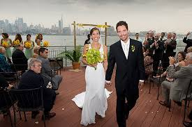Electric Wedding Overlooking Manhattan At Chart House