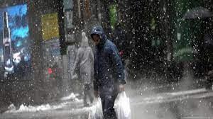 ABD'de dondurucu soğuk: Milyonlarca kişi elektriksiz kaldı