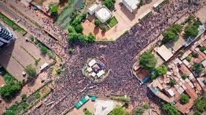 Mali is a landlocked country in west africa with an area of 1,240,192 sq. احتجاجات مستمرة في مالي والرئيس يعلن حل المحكمة الدستورية أخبار سكاي نيوز عربية