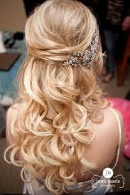 wedding hairstyles half up half down fashion hippoo Do It Yourself Wedding Hair Down so get inspired by the following drop dead gorgeous half up half down hairstyles and there are also several tutorials if you love to do it yourself! do it yourself wedding hair down