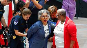 Rep. Joyce Beatty arrested during ...