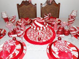 Candy Cane Table Decorations 60 best Christmas Table scapes images on Pinterest Tablescapes 35