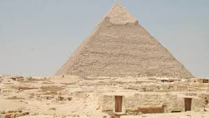 essay on seven wonders of the world chich atilde copy n itz atilde  the pyramids one of the seven wonders of the ancient world swipe left right to see