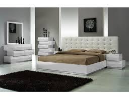 Spain Modern Lacquer Platform Bedroom