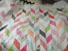 """My Fresh Cut charm pack quilt is fully quilted! I used """"organic ... & My Fresh Cut charm pack quilt is fully quilted! I used """"organic"""" lines Adamdwight.com"""