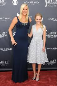 great dresses worn by Bethany Hamilton & AnnaSophia Robb | Tall girl  fashion, Tall girl fashion outfits, Tall girl fashion summer