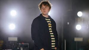 Scottish Album Charts Someone To Love Rising Scottish Singer Lewis Capaldi Abc News