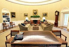 oval office desks. The Oval Office Desk Enchanting Resolute Enjoyable Medium Size Of Inspiration Name Small Trump Presidents H Desks I