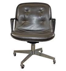 Metal office chairs Nylon Mid Century Set Of Four Padded Office Chairs Chairish Salvaged Office Furniture Olde Good Things