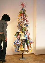 21 Ideas for Making Alternative Christmas Trees To Recycle Clutter ...