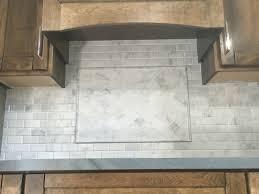 Limestone Kitchen Backsplash Wwwtilebar Kitchen Backsplash Carrera Subway Tile Arabesque