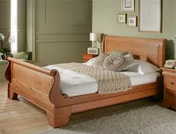 consideration in choosing queen size sleigh bed  vwho