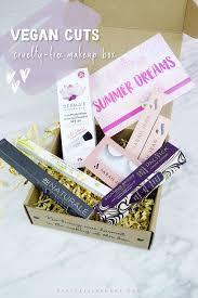 summer dreams with vegan cuts makeup box free