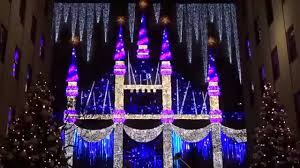 Saks Fifth Avenue Light Show 2016 Schedule 2015 Saks Fifth Avenue Holiday Light Show