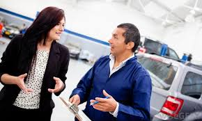 what does a service advisor do pictures  a service advisor is responsible for providing a mechanic a description of a vehicle s problems