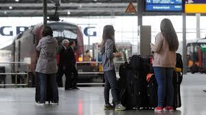 Wilde elefanten in china kommen endlich nach hause; Bahnstreik In Bayern Es Fahrt Mehr Als Gedacht Bayern Sz De