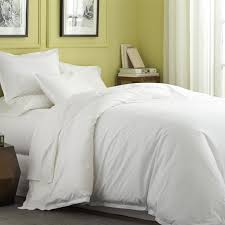 White Fluffy Bedding Style The Bangups Decor Modern Elegant