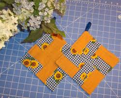 Free Patterns - Quilting - BellaOnline -- The Voice of Women ... & Quick and Easy Pot Holders, fast, cute gifts. Adamdwight.com