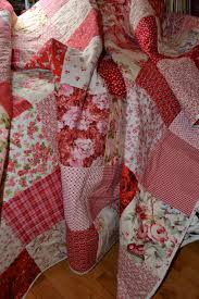 Shabby Chic Roses Vintage Look Double Classic Red | QUILTING ... & Shabby Chic Roses Vintage Look Double Classic Red and White Traditional  Cottage Chic Gingham Patchwork Timeless Quilt Adamdwight.com