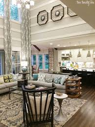Decorating High Ceiling Walls High Ceiling Wall Decor Ideas 25 Best Ideas About Decorating Tall