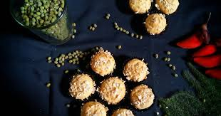 Namun untuk hari yang spesial ini saya akan berbagi satu buah resep yang datang dari negara china, yaitu cara membuat kue bulan singkawang. 10 Resep Kue Mpasi Kacang Hijau Enak Dan Sederhana Ala Rumahan Cookpad
