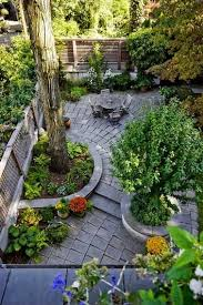 1000 ideas about small patio gardens