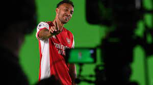 scenes at the Arsenal photocall ...