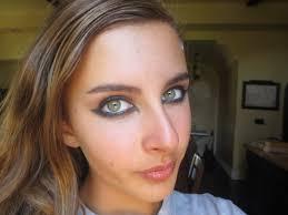 dramatic cat eye makeup photo 1