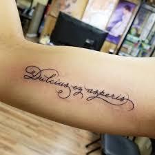надписи татуировки с переводом на руке какой тайный смысл несут в