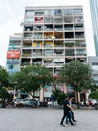 This Apartment Building In Ho Chi Minh City Is Full Of Cafés Pop