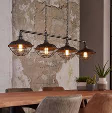 Industriele Lampen Voor Een Ruige Interieur Waarin Geleefd Mag