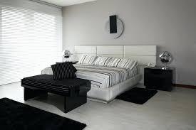 bedroom decorating ideas with black furniture. Black And White Master Bedroom Decorating Ideas With Floor Head Furniture