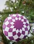 Как сделать из бумаги елочную игрушку шарик 391