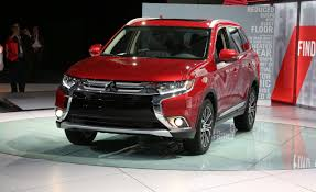2016 Mitsubishi Outlander First Drive | Review | Car and Driver