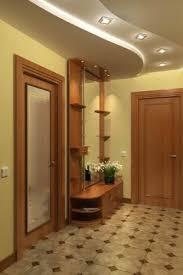 Este corredor apresenta um teto com iluminação embutida de duas formas. O Projeto Do Teto De Drywall No Corredor 43 Fotos Opcoes Suspensas De Gesso Cartonado No Corredor