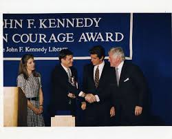michael synar john f kennedy presidential library museum 1995 profile in courage award recipient michael synar caroline kennedy john f kennedy