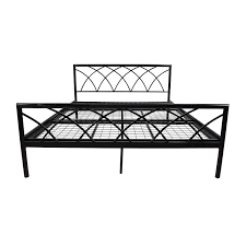 75% OFF - Overstock Queen Size Metal Bed Frame / Beds