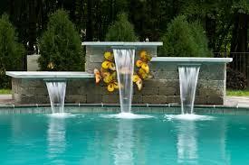 Fântâni și cascade pentru piscine