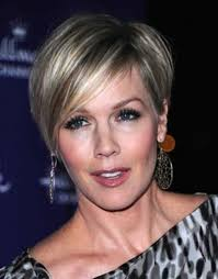 25 Most Flattering Hairstyles For Older Women - Hottest Haircuts
