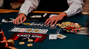 images?q=tbn:ANd9GcQBwyYeAG3MjInCtLKiwXU90oSrDHuWuWqiBg&usqp=CAU - Aturan Untuk Dasar dan Perintah Pada Permainan Poker Online
