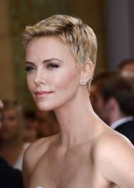 Charlize Theron Short Hair Style charlize theron short hair styles bakuland women & man fashion 6597 by wearticles.com