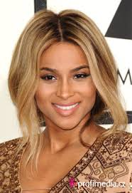 Top Grammy účesy Happyhair