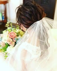 ウェディングドレスに合うベールヘアベールタイプ別の髪型35選